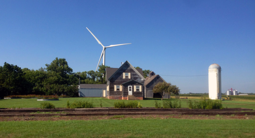 iowa-turbine-farmhouse-2